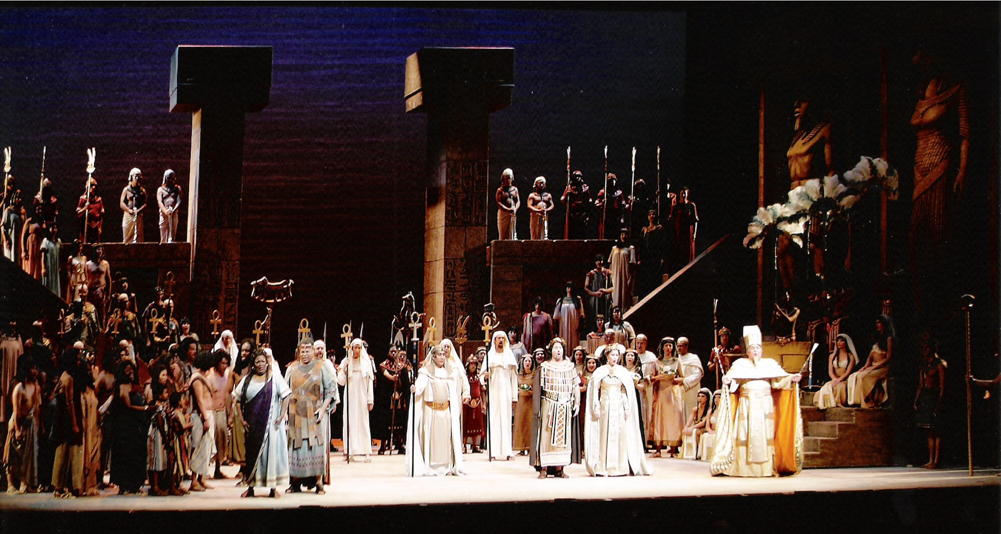 Aida Giuseppe Verdiego, scena tryumfalna z pokazu w Opera Pacific w 2006 roku